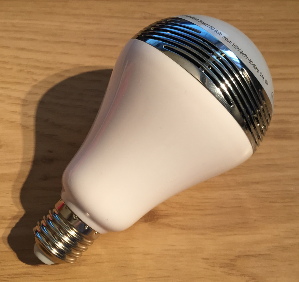 Review: 1byone Bluetooth LED Light Bulb with Speaker | GEEK!:The bulb comes very well packaged in a decent cardboard box so is unlikely  to get damaged in transit. Inside the box you'll find the bulb together  with some ...,Lighting